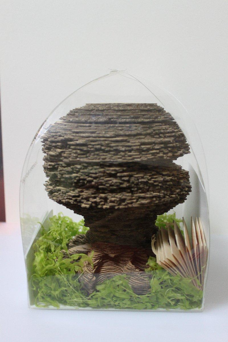 画像:樹のオブジェ?いえメモ帳です