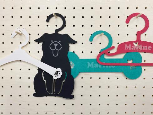 画像:愛犬のための 紙製ハンガー